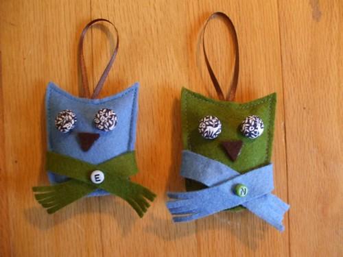Big-Eyed Owl Christmas ornament