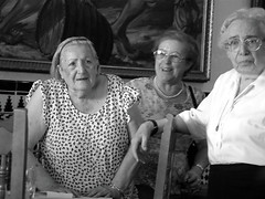 Ladies who lunch, Malaga (frotos (Fred Shively)) Tags: photography malaga spanishladies