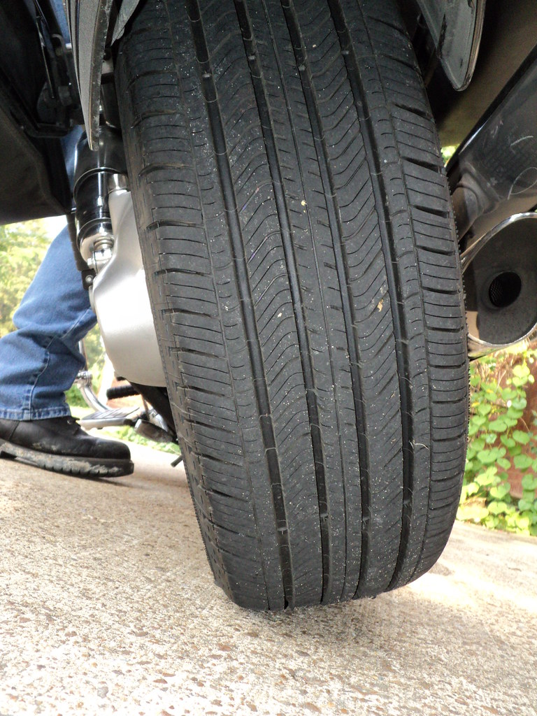 Motorcycle tires vs Car tires