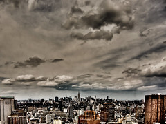 storms coming in (nosha) Tags: nyc usa ny newyork lightroom 2011 nosha newyorknewyorkusa canonpowershots90 6225mm