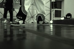 Style (• [Gustavo Danasini] • GusRasta) Tags: blackandwhite bw white black blancoynegro blanco dance nikon raw break nef d negro ciudad dancer gustavo breakdance niki 2009 baile breakdancer callejero d80 emergente nikid nikond80 ciudademergente gusrasta gustavodanasini danasini