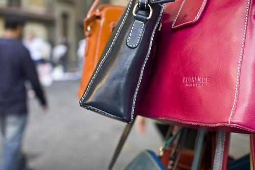 travel italy leather shopping florence europe italia market backpacking tuscany firenze handbags traveling purses florenceitaly eurotrip09