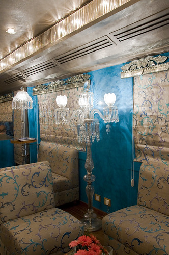 Train Chartering - Royal Rajasthan on Wheels, India's new luxury train, Bar Lounge in Restro Sheesh Mahal