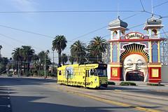 Melbourne Tram Z3  220 Luna Park (Tel's Odds and Ends) Tags: park street city st circle c melbourne luna class southbank telstra dome depot b2 yarra docklands trams z3 kilda latrobe sw6