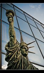 Statue de la Libert   Statue of Liberty (neoweb001   www.julientordjman.fr) Tags: paris france canon bp 2009 450d baladeparisienne julientordjman baladesparisiennes