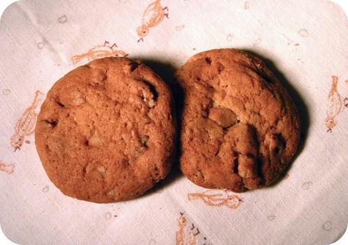 pecan toffee cookies with sea salt