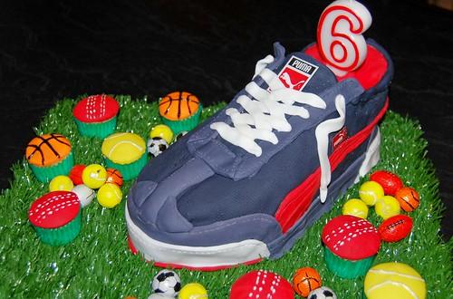 puma shoe cake
