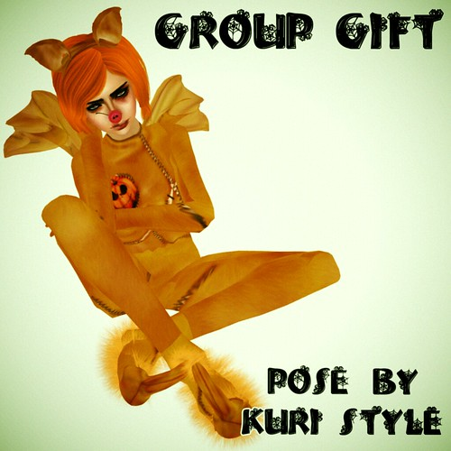 Kuri Style Group Gift Pose 1
