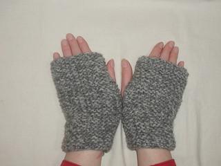 Patons Knitting Patterns For Fingerless Gloves : Ravelry: #5 - Fingerless Gloves pattern by Patons UK