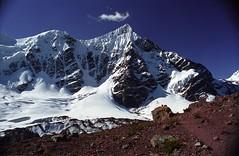 Ambiance au Pérou (dyonis) Tags: peru montagne trekking trek moutains pérou vilcanota cordilière