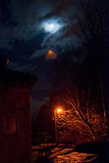 Blue moon (Briggate.com) Tags: leeds headingley bluemoon hollinlane asdsc7604