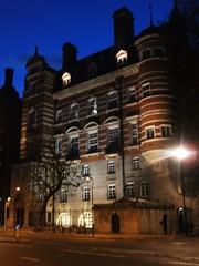 New Scotland Yard London (Ledlon89) Tags: london style deco embankment victoriaembankment savoyhotel oldlondon savoyplace