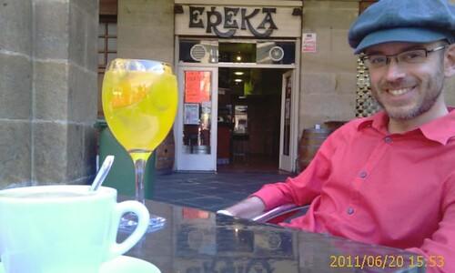 CAFE Y COPA EN EL ERREKA PLAZA NUEVA BILBAO by LaVisitaComunicacion