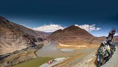 Confluence of Indus and Zanskar rivers (ONINOT) Tags: confluence indusriver zanskarriver ladakh