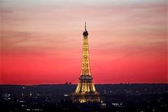 خطة لإقامة حاجز زجاجي حول برج إيفل لحمايته من هجمات إرهابية (ahmkbrcom) Tags: الإرهاب باريس فرنسا