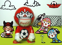 Team Sawada (ecpica) Tags: clouds ball toys football goal team coke worm trexi keisawada weallspeakfootball2006 playcommy