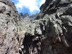 Le couloir central du Tafonatu : le couloir et le trou du Tafonatu