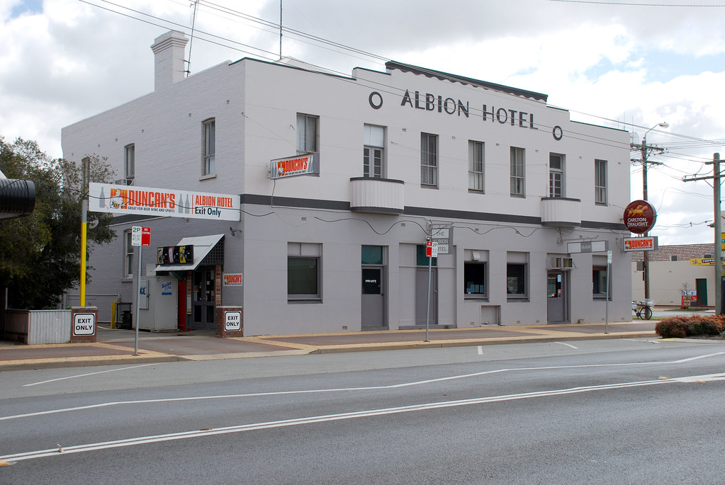 Albion Hotel Finley