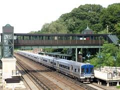 Metro-North Railroad Station, Riverdale-Wave Hill, Bronx NYC (jag9889) Tags: city nyc railroad ny newyork station train bronx mta borough 2009 metronorth riverdale wavehill y2009 jag9889