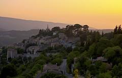 Bonnieux, Provence (Ingo Sagoschen) Tags: abend frankreich stadt provence gebäude bonnieux hdrtonemapped gebude