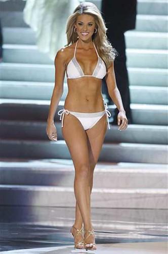 carrie-prejean-bikini1