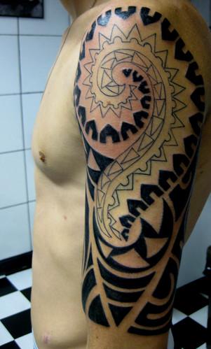manga tattoos. sleeve manga polinésia