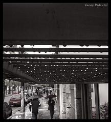 DSC088s 47 (Lucas Pedruzzi) Tags: lucaspedruzzi riograndedosul sulriograndense rs gaucho cidade gaúcha cidadegaúcha cidadebrasileira brasil brazil chuva pingos portão rua calle osvaldoaranha bomfim bairrobomfim ruasdeportoalegre ruasdobrasil calles portoalegre poa