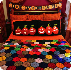 the october bed (eklektick) Tags: halloween cat pumpkin cozy colorful jackolantern trickortreat crochet afghan owl target pillowcases makingthebed eklektick