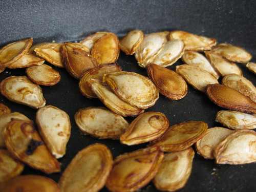 4012534573 b1da897989 How to Roast and Eat Pumpkin Seeds