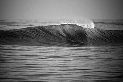lonely wave... (Pep Silva) Tags: brazil praia beach brasil mar surf wave santo norte esprito onda