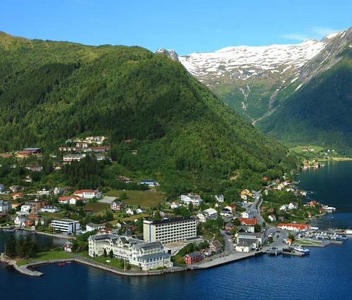 Kviknes Hotell