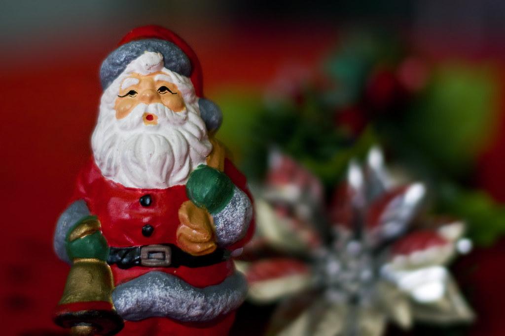 Santa Christmas Statue