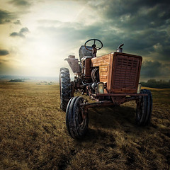 [Free Image] Vehicle, Fields / Farm, Tractor, 201106092300