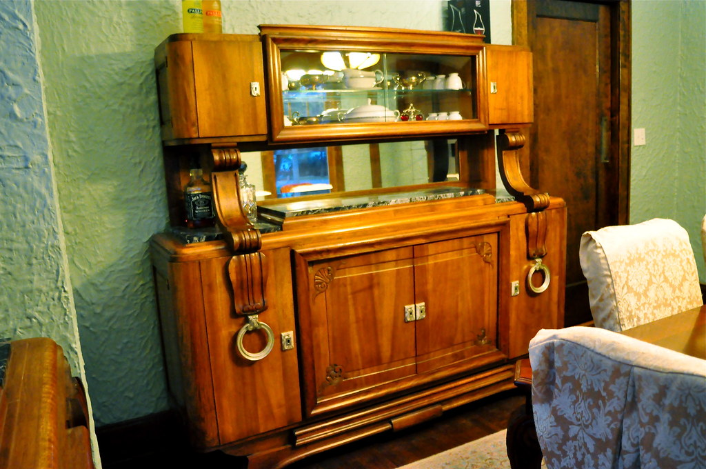 Art Nouveau sideboard/china cabinet