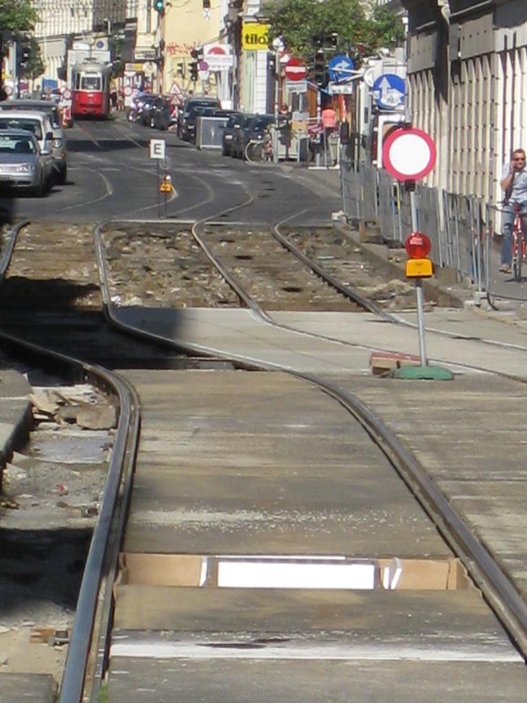 Westbahnstr-Track-Renewal-Aug09-67