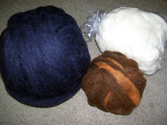 Blue:Columbia/Romney Roving, Brown:CVM, White: Mohair/Cormo/Merino top