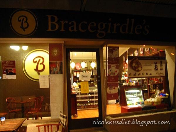 bracegirdles