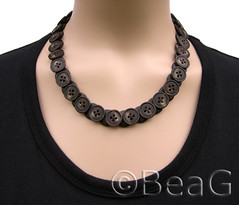 Button Necklace (Knopen Ketting) (Made by BeaG) Tags: brown fashion vintage design necklace recycled handmade buttons unique jewelry jewellery recycle reuse fashionable knopen ketting sieraden beag vintagebuttons buttonnecklace buttonnecklaces designedandmadebybeag ontworpenengemaaktdoorbeag inspiredbykraplap vintageknopen knopenketting knopenkettingen