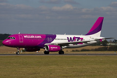 LZ-WZB - Wizzair - Airbus A320-232 (A320) - Luton - 090925 - Steven Gray - IMG_9680