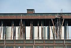 Gesttze Altindustrie (chricujo) Tags: building industry tubes rohre pltze industriebau
