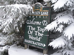 winter welcome (Mountain Lake Hotel) Tags: hiking backpacking crosscountryskiing appalachiantrail trailrunning familyadventurerecreation virginiafamilygetaways ecofriendlysustainabledestinations wildlifeviewinginvirginia allinclusiverecreation