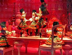 "19074- Christmas window display 2009 Paris store ""Le Printemps""  巴黎 파리 窗口显示 윈도우 디스플레이 (Rolye) Tags: christmas paris france photo yahoo store google mannequins magasin view image photos samsung www noel images best views dreams com msn fabulous noël windowdisplay sublime aol baidu thebest ops vitrine vitrines fenêtres haussman cartepostale magasins leprintemps 巴黎 rêves postalcard 明信片 图像 파리 法国巴黎 nv7 automates marionnetes rolye"
