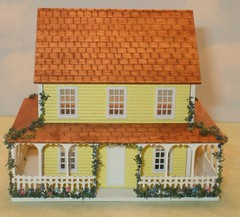 1/144th scale yellow cottage