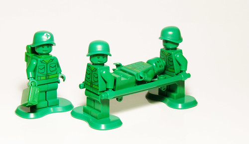 7595 - Army Men on Patrol - Toy Story LEGO - Wounded