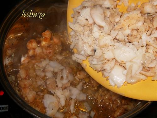 Sopa de pescado y marisco-añadir pescado