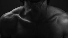 Schlsselbeine (Andres Cedillo) Tags: blackandwhite bw white man black men blancoynegro blanco closeup photography photo nikon foto photographer body negro fotografia nikkor fotografo cuerpo clavicles claviculas d3100
