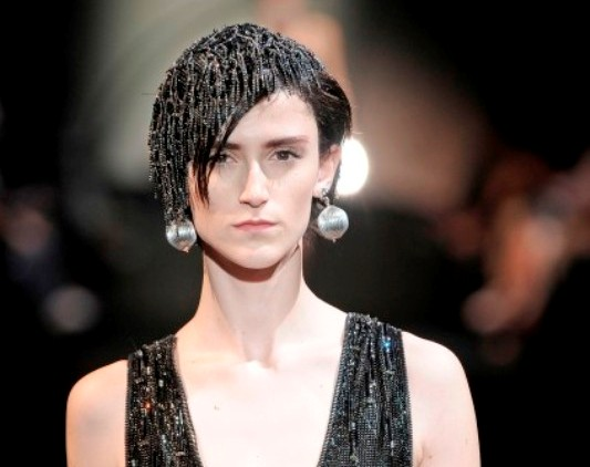 Armani Prive FW09 chain head piece
