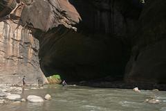 entering the tunnel (king damus) Tags: nationalpark grandcanyon archesnationalpark canyonland