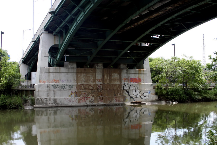Under the Don river bridge