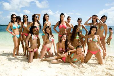 Miss Universe 2009 contestants group photo at Manjack Cay, Abaco, Bahamas